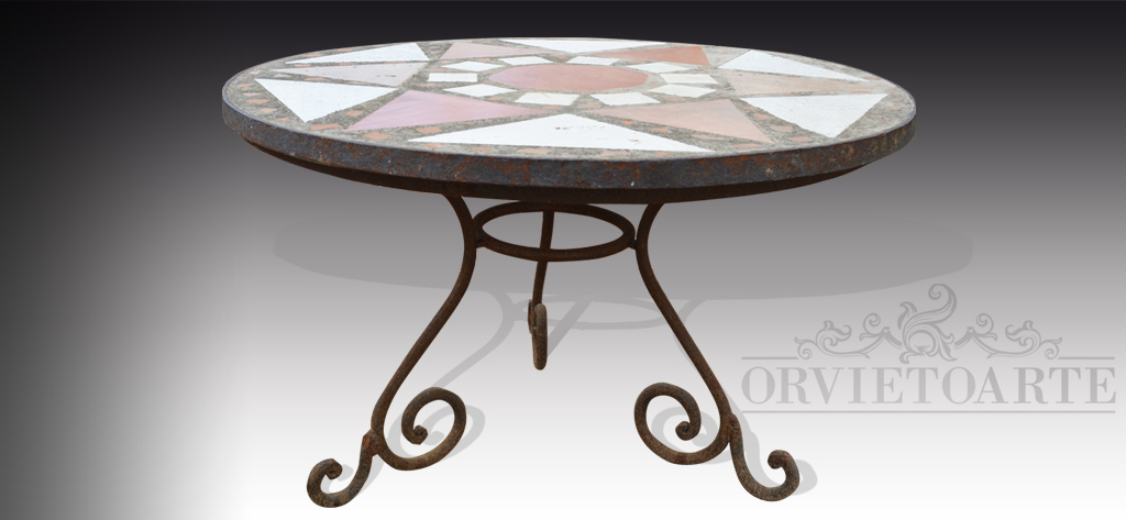 Orvieto Arte – Tavolo mosaico con base in ferro battuto