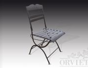 Sedia in ferro richiudibile con seduta a fasce e piccolo decoro a forma di cuore sullo schienale.