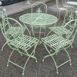 Set Giglio, tavolo con sedie