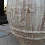 Particolare dello stemma in bassorilievo