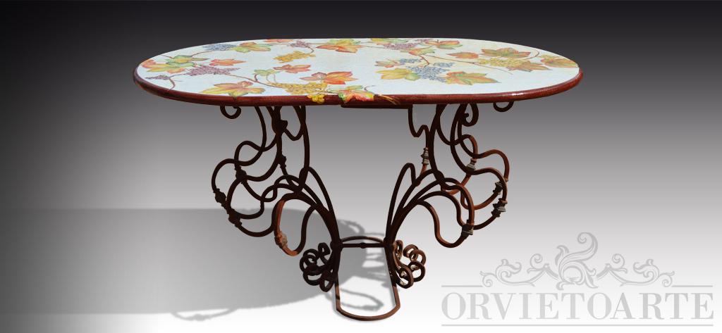 Orvieto arte tavolo con piano in pietra lavica decorato con tralci di vite e base in ferro - Tavolo con base in pietra ...