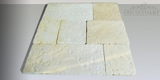 Pavimento in pietra di Trani di antica fattura