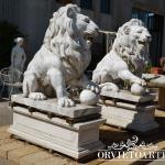 Coppia di leoni monumentali