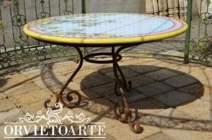 Orvieto arte tavolo con piano in pietra lavica e base in ferro battuto - Tavolo con base in pietra ...