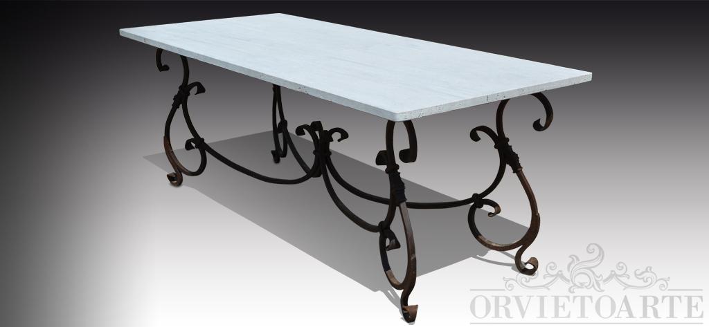 Orvieto Arte – Tavolo con piano in pietra lavica decorato con tralci ...