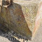 Particolare pozzo antico pietra