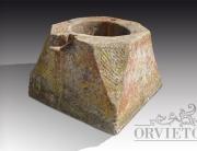 Pozzo antico in pietra