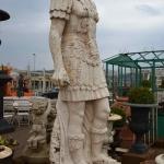 Soldato romano in marmo
