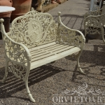 Panchina ghisa due posti, arredo giardino, Orvieto, Umbria, Italia