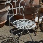 Sedia ferro seduta rosone, Arredo giardino, Orvieto, Umbria, Italia