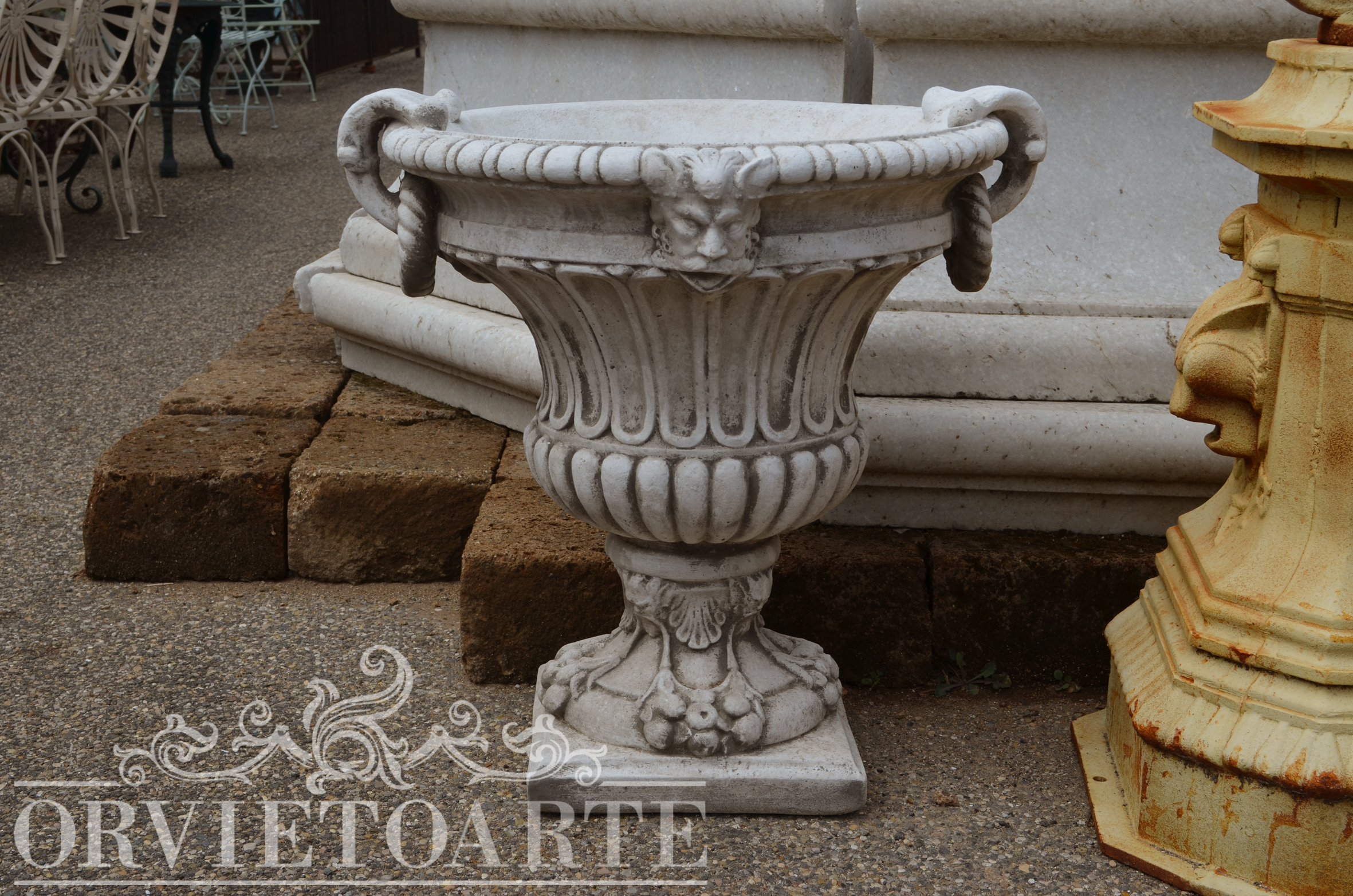 Orvieto arte vaso in materiale composito for Arredo giardino perugia