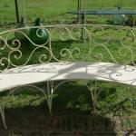 divano semicircolare in ferro da giardino