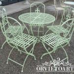 Tavolo e sedie giglio