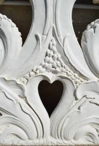 Particolare balaustra in marmo di Carrara