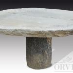 Tavolo antico con piano e basamento in granito