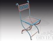 Sedia in ferro richiudibile a due colori con motivolo reticolo, disponibile il tavolo abbinato.