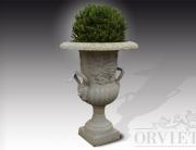 Vaso in ghisa porta fiori, disponibile anche con basamento.