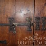 Particolare porta antica del '600