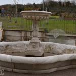 Fontana in marmo bianco