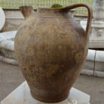 Brocca in terracotta