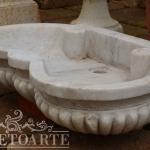 Vaschetta in marmo a conchiglia