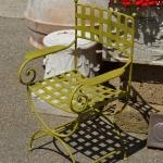 poltroncina regista verde, Arredo giardino, Orvieto, Umbria, Italia