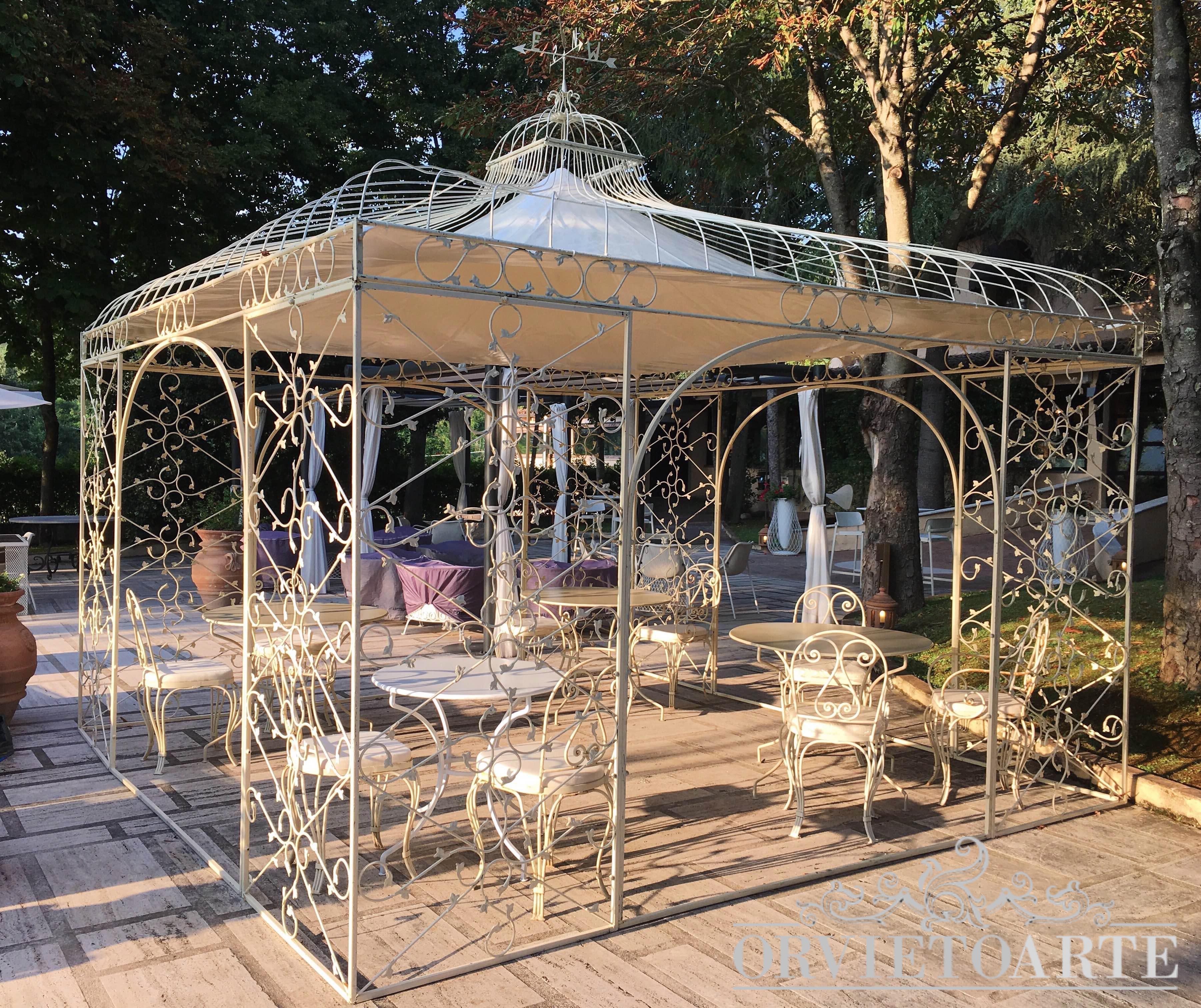 Tavoli Da Giardino Stile Provenzale.Arredo Da Giardino Orvieto Arte